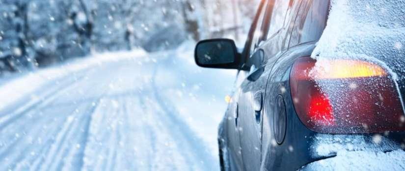 Wintersporters gaan massaal op autovakantie zonder sneeuwkettingen