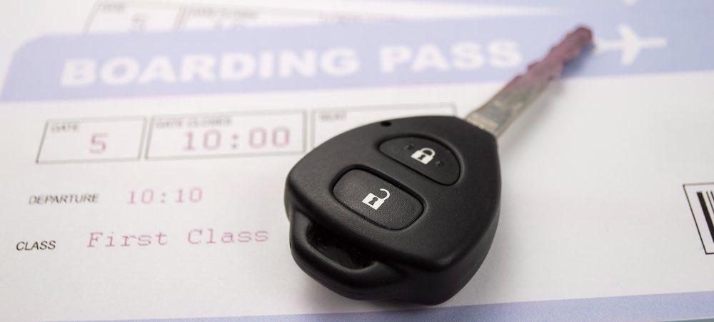 auto sleutels op boarding pass