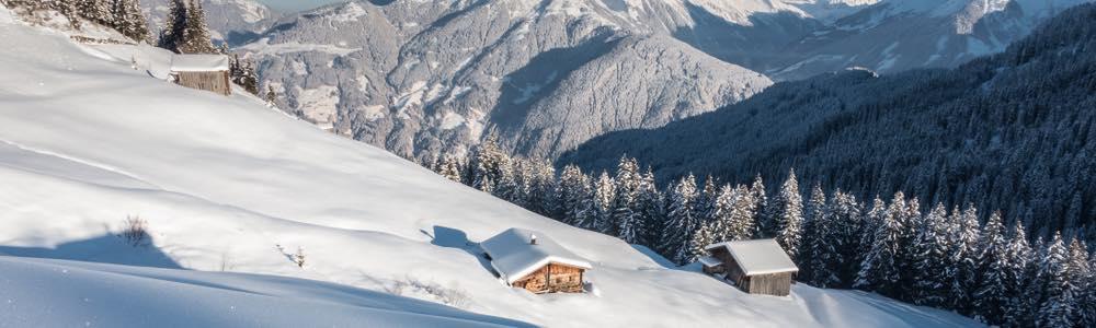 uitzicht winter landschap zillertal skigebied